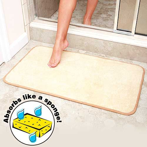 Microfiber Bath Mat Soaks Up Water Like A Sponge Before Your Foot