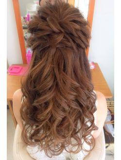 ねじりハーフアップ ウエディング ヘア ハーフアップ 前撮り 髪型