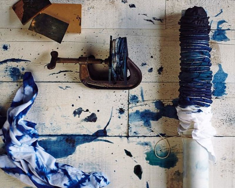 Jokaisella tekstiili- ja vaatesuunnittelijalla tuntuu olevan aika, jolloin hän hurahtaa japanilaiseen tekstiilitaiteeseen. Kuten Kiinassa, myös Japanissa on tuhansia vuosia vanha tekstiili- ja käsi…