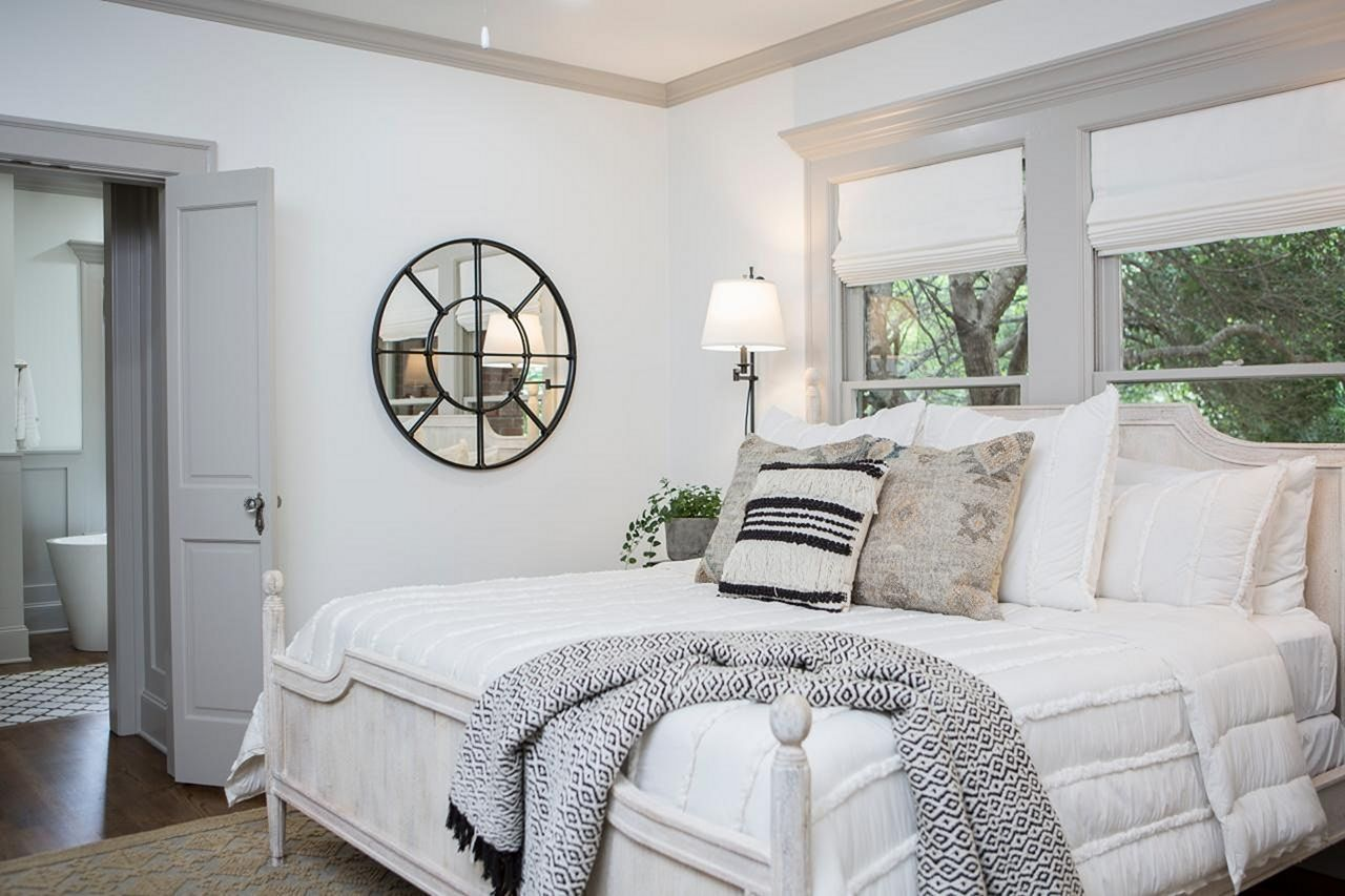 20+ Incredible Farmhouse Bedroom Design with Fixer Upper ...