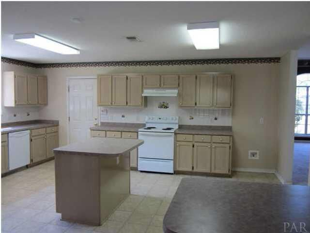 I love the size of this kitchen