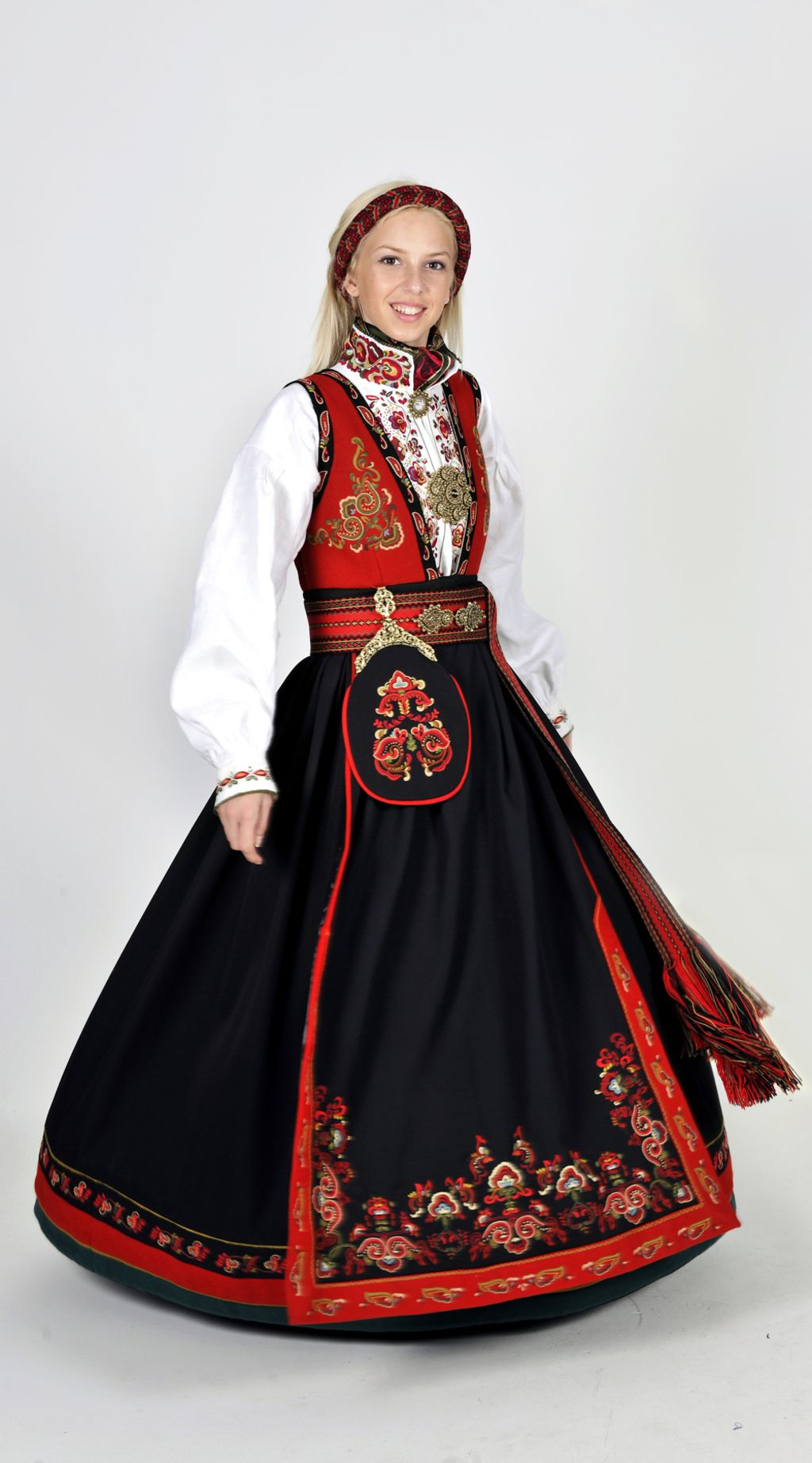 Norwegian Bunad Norwegian Clothing Scandinavian Costume Norwegian Dress