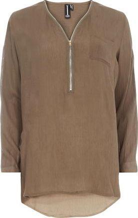 Dorothy Perkins Womens Izabel London Khaki Plain Zip Top- Khaki Khaki viscose long sleeve plain zip top. Long sleeves. Deep v-neckline.Length 73cm 100% Viscose. Cold hand wash. Do not dry clean. http://www.comparestoreprices.co.uk/january-2017-9/dorothy-perkins-womens-izabel-london-khaki-plain-zip-top-khaki.asp