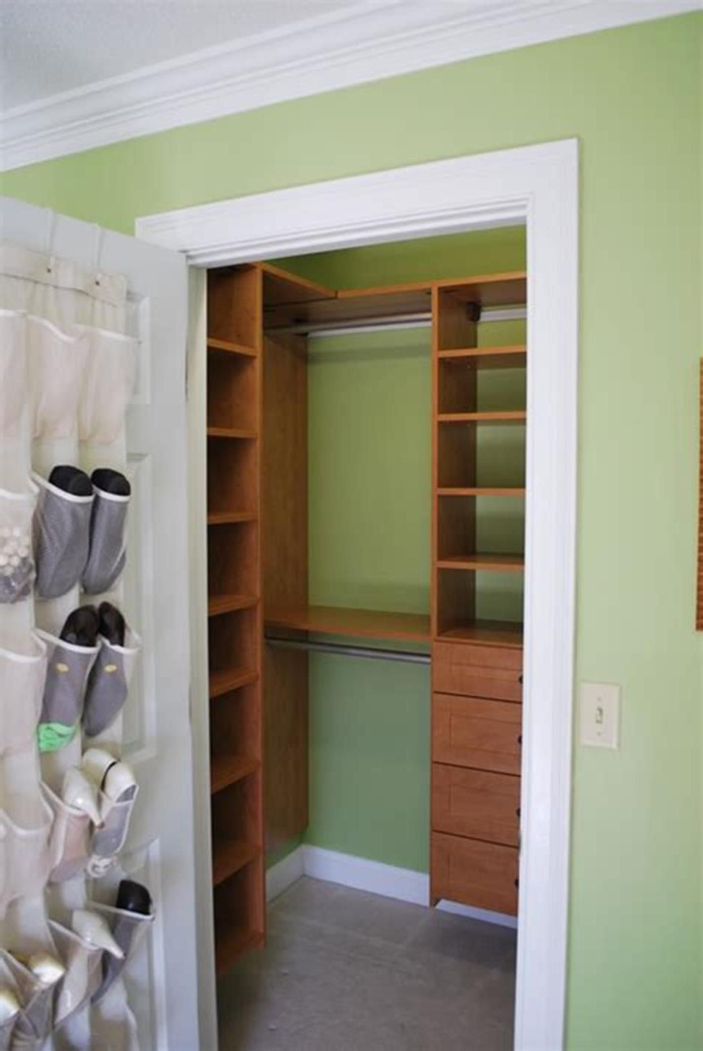 32 Fabulous Small Walk In Bedroom Closet Organization ...