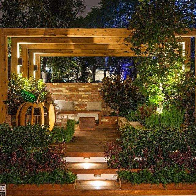 Five Boroughs Garden By Space Capsule Design Fearing Lighting By Gardens At Night Singapore Garden Garden Room Pergola