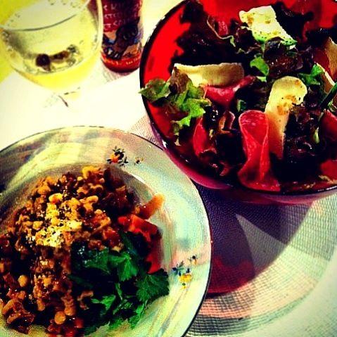 オサレです♡ - 41件のもぐもぐ - ボロネーゼ  サラダ  ワイン by tayuko