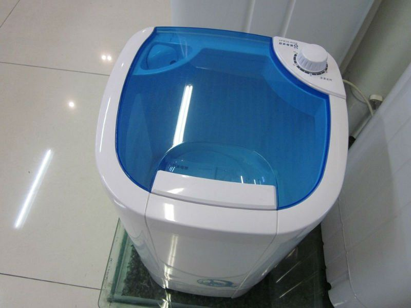Check out http//www.bestwashingmachineguide.co.uk/small
