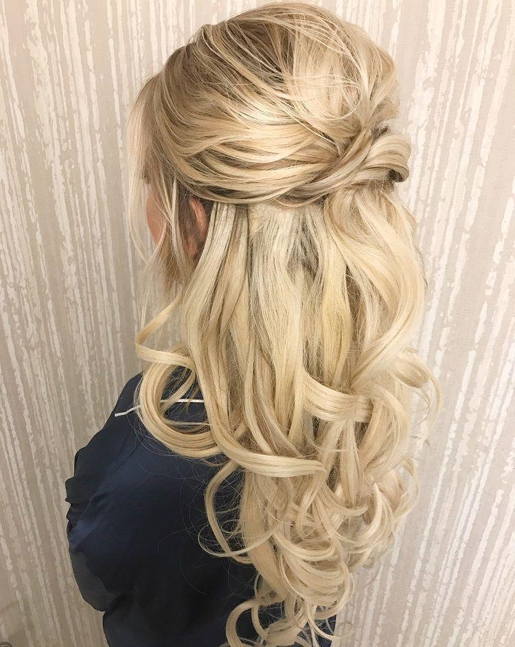 Pretty Half up half down curl hairstyles - partial updo wedding hairstyle #weddinghair #hairstyles #bridalhair #weddinghairstyle #halfuphalfdown #hairstyleideas #partialupdo #halfup