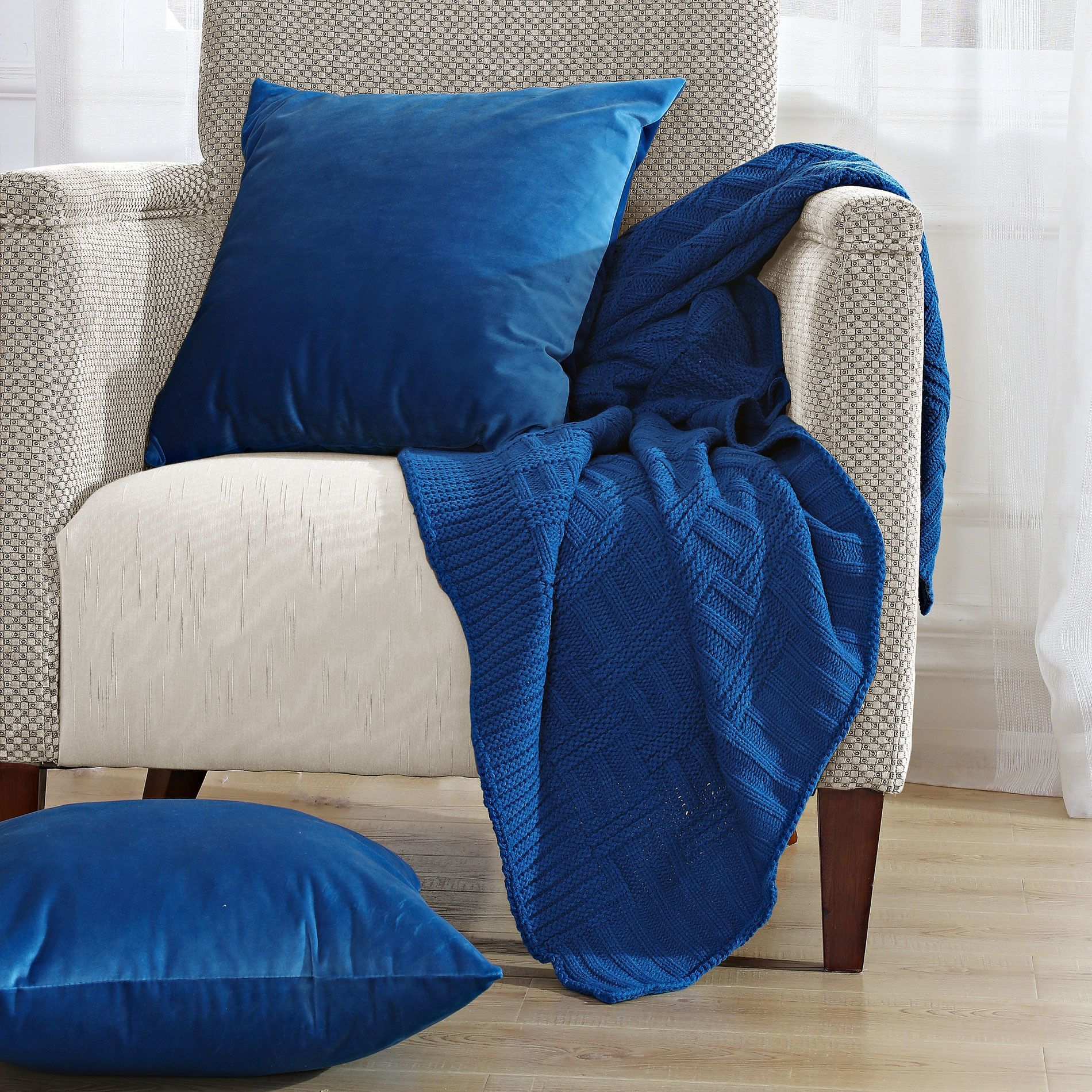 Cable Brooke Throw Blanket