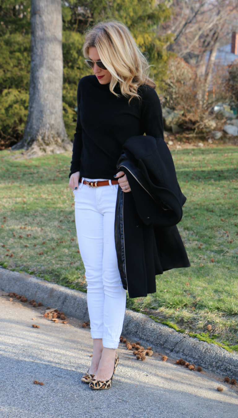 Black top, white jeans, leopard shoes | How to wear white