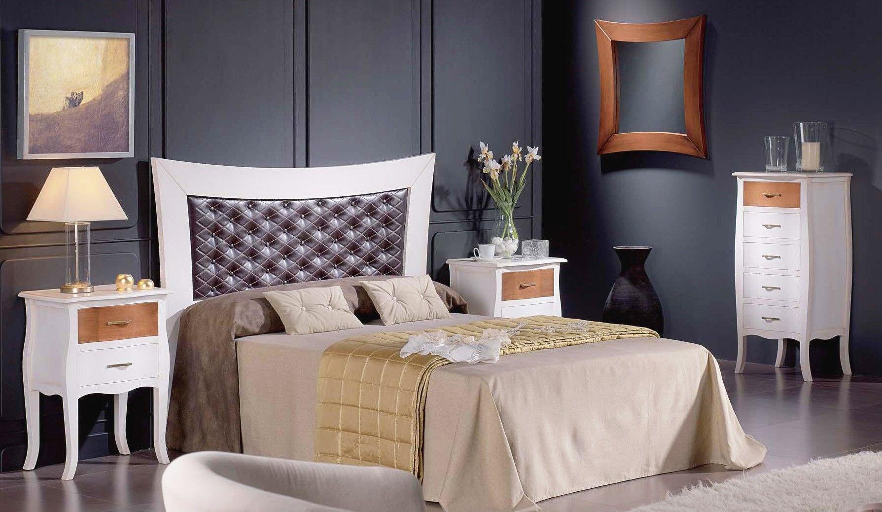 Dormitorio de matrimonio en madera de pino macizo, cabecero con ...