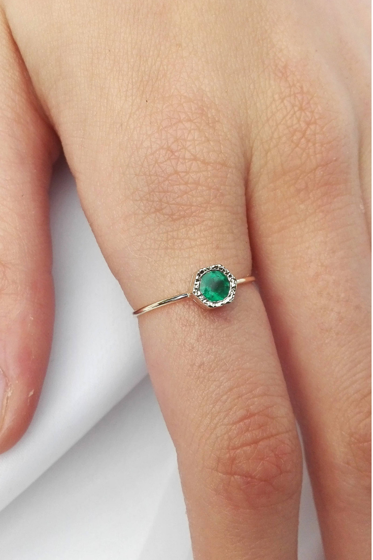 14K Yellow Gold Polished Heart Emerald May Stone Ring Size 7