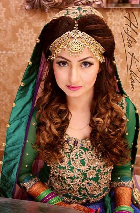 Pin By Mariaslam On Beautiful Pakistani Bridal Hairstyles Bridal Hairstyle Indian Wedding Pakistani Bridal Makeup