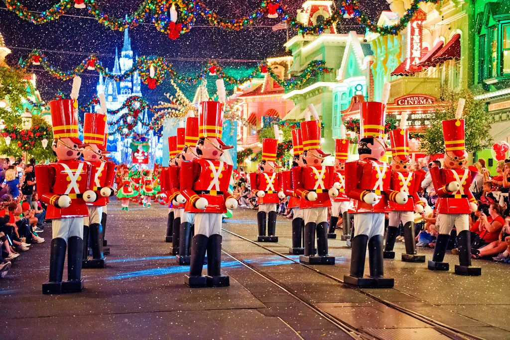 The Toy Soldier\u0027s in Mickey\u0027s Once Upon a Christmastime Parade