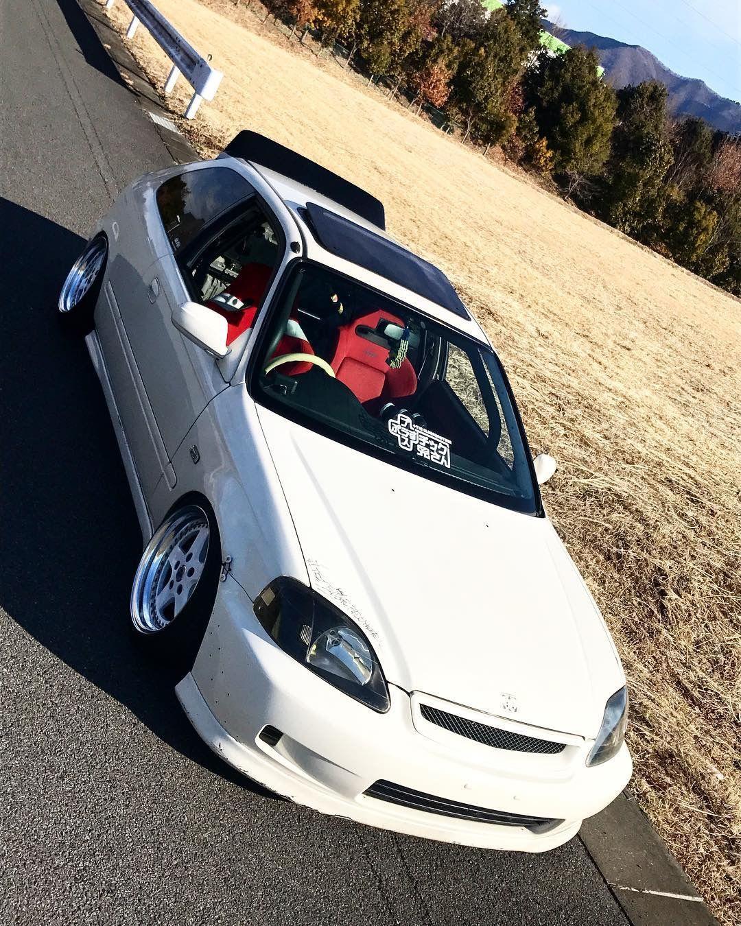 White Ek9 type R Honda civic hatchback, Honda civic