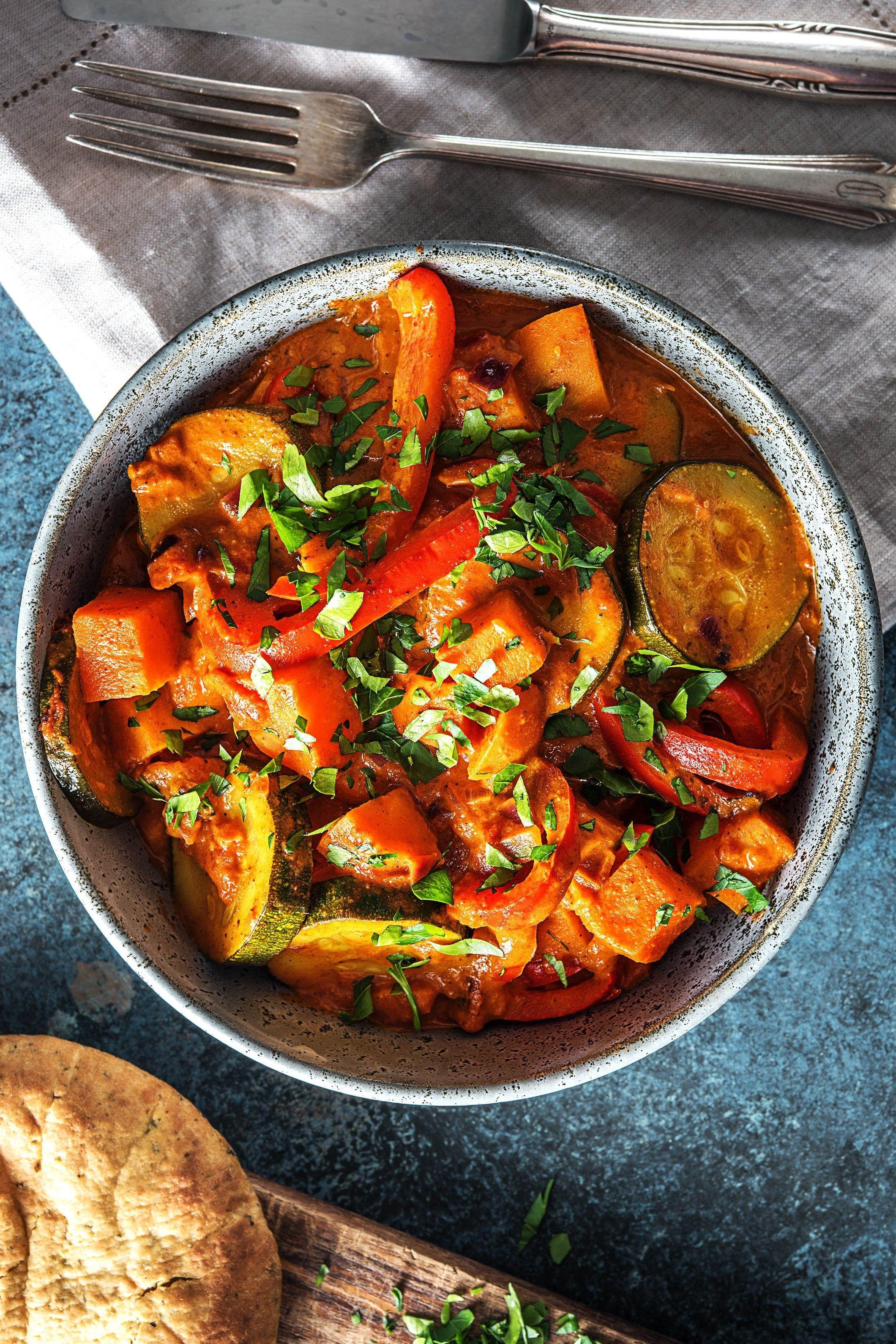 indisches s kartoffelcurry mit zucchini tikka masala. Black Bedroom Furniture Sets. Home Design Ideas