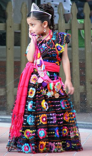 Traditional Mexican Clothes and Costumes: A Beautiful Riot of ...