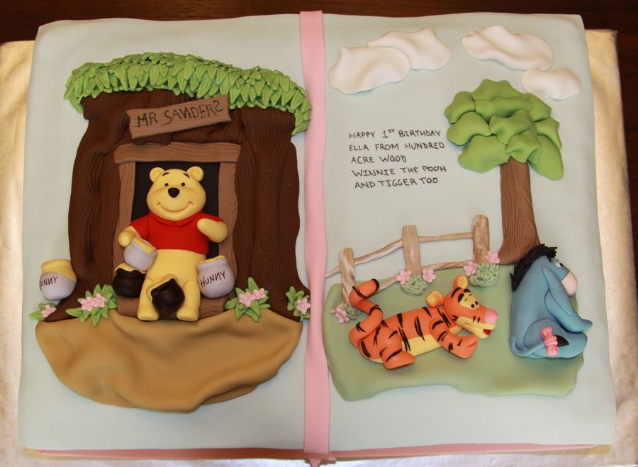 Winnie the pooh 3d birthday cake ウェディングケーキ