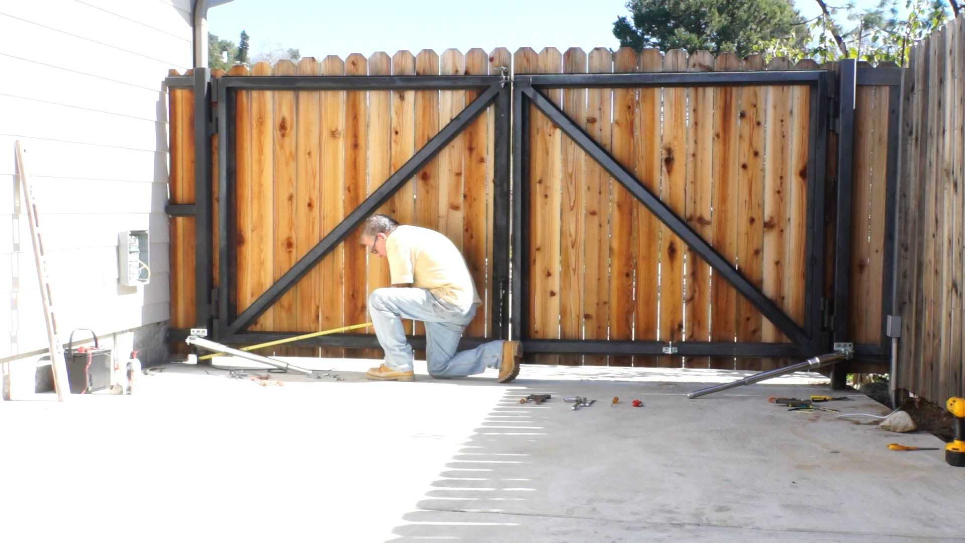 E8 300mm dual swing gate opener installation with images