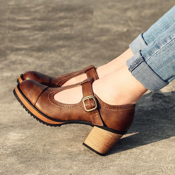 Pas cher Mode britannique style vintage femmes chaussures à talons hauts  chaussures épais plate forme de talon chaussures de dame de la mode, ... d9361cc4a13