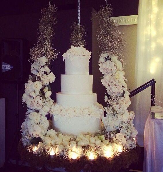 White And Gold Wedding Suspended Wedding Cake Suspended Wedding Cake Wedding Cakes Hanging Cake