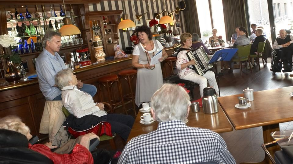 Dementia village de hogeweyk village women memories
