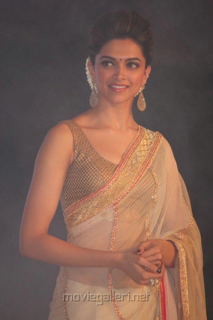 Deepika Padukone @ Palam Silks Chennai Express Meena Hunt ...