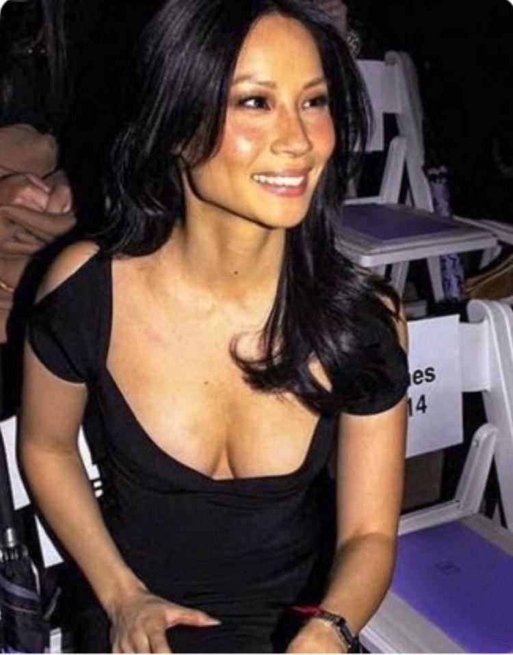 Ruah breast size daniela