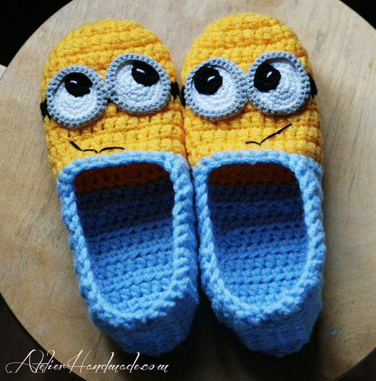 crochet minion slippers :D | motif | Pinterest | Ganchillo, Tejido y ...