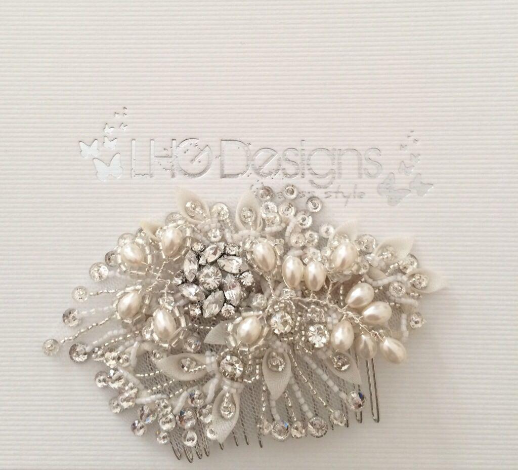lace bridal ganza comb with pearls and rhinestones. vintage design