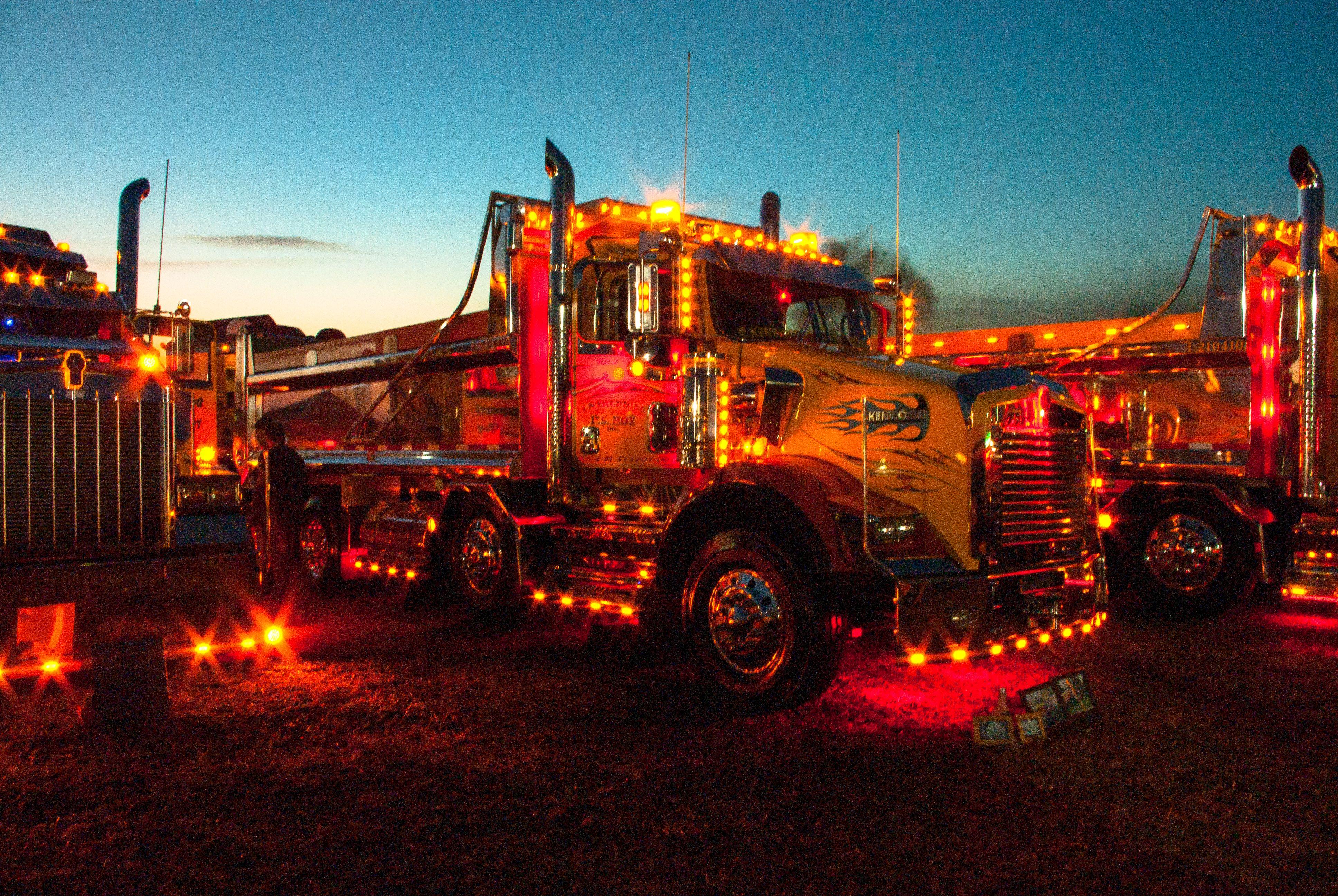 Kenworth Dump Truck | Dump trucks, Big trucks, Trucks Kenworth Dump Trucks Pics