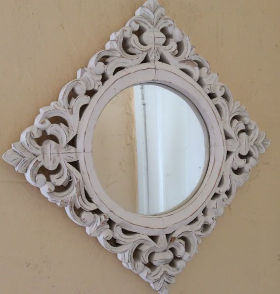 Great Wood Carved Square Frame With Round Mirror Beautiful Thick Ornate Open Weave Frame Painted White Fini Ornate Wood Frames Painting Frames Vintage Mirror