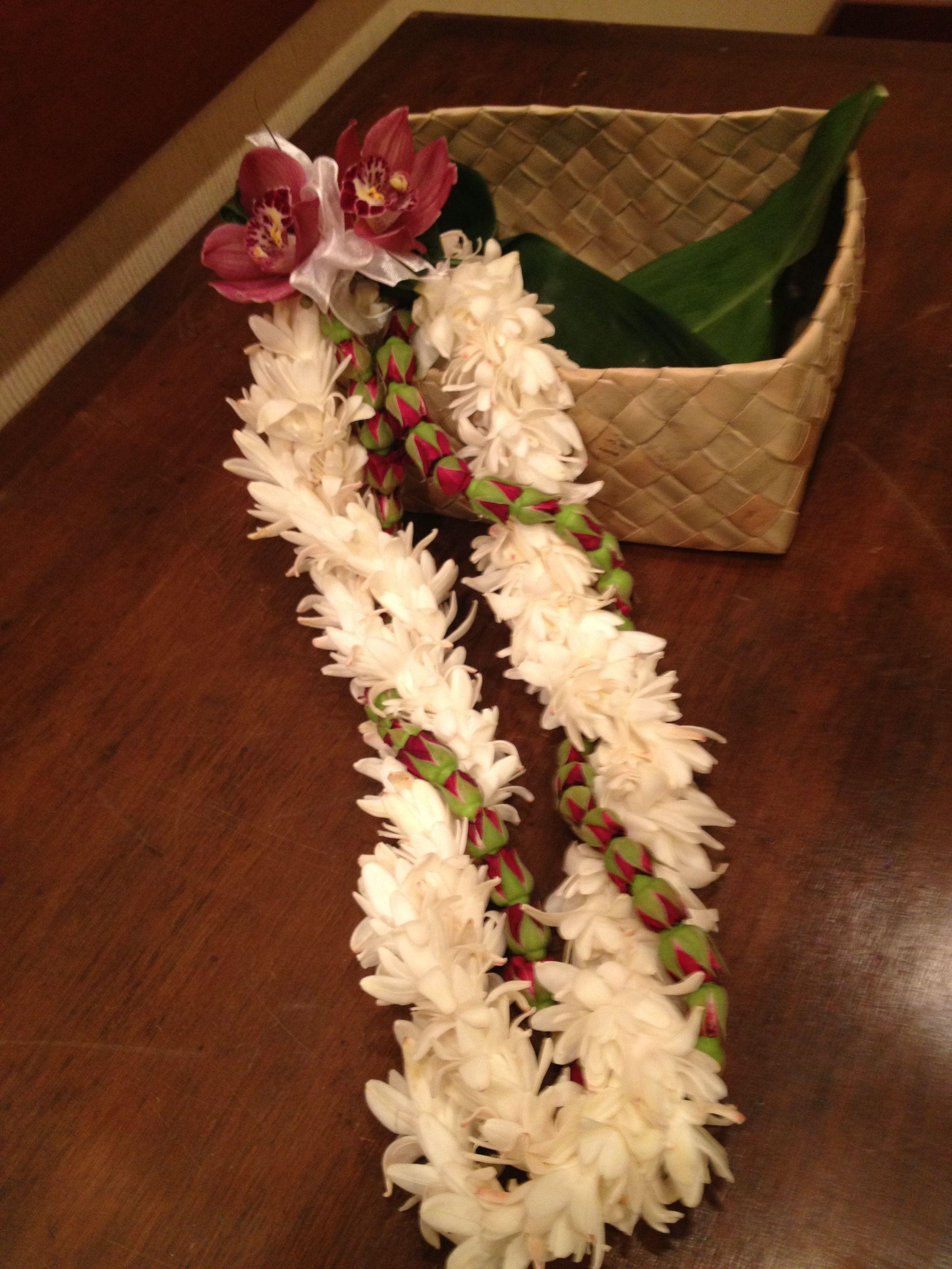 Lei Flowers By Heidi Fbh Leis Pinterest Leis Hawaiian Leis