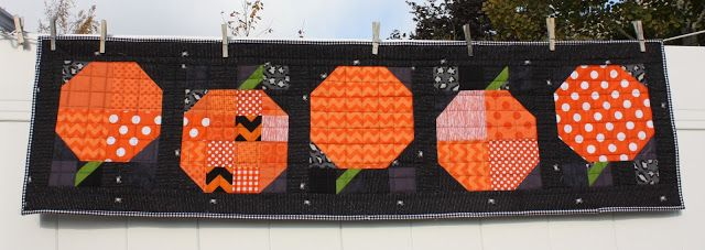Kết quả hình ảnh cho Patchwork Pumpkin quilt block and table runner tutorial