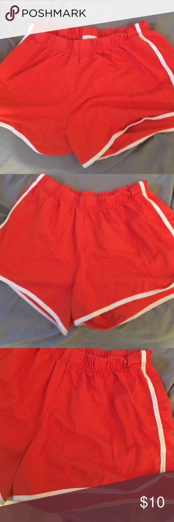Short shorts! Very comfortable and stretchy! They say 1x but they fit like a XLarge. Best for bike riding or a fun day at the beach. 100% cotton Shorts Bermudas