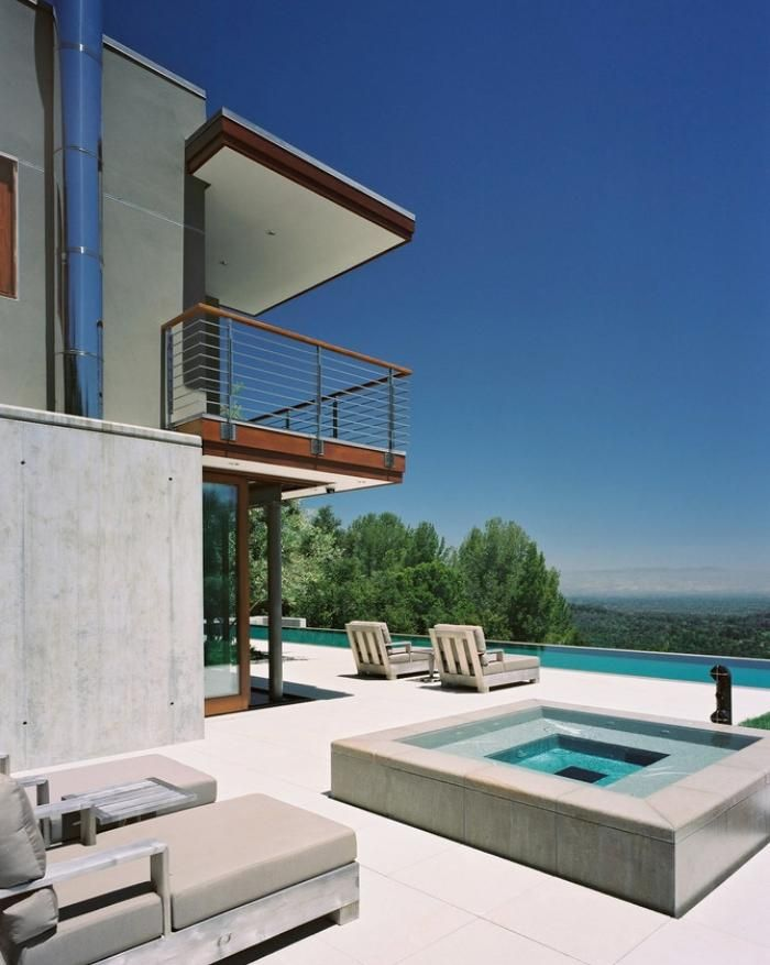 modernes haus mit infinity pool und sonnenterrasse balkon pinterest infinity pool moderne. Black Bedroom Furniture Sets. Home Design Ideas