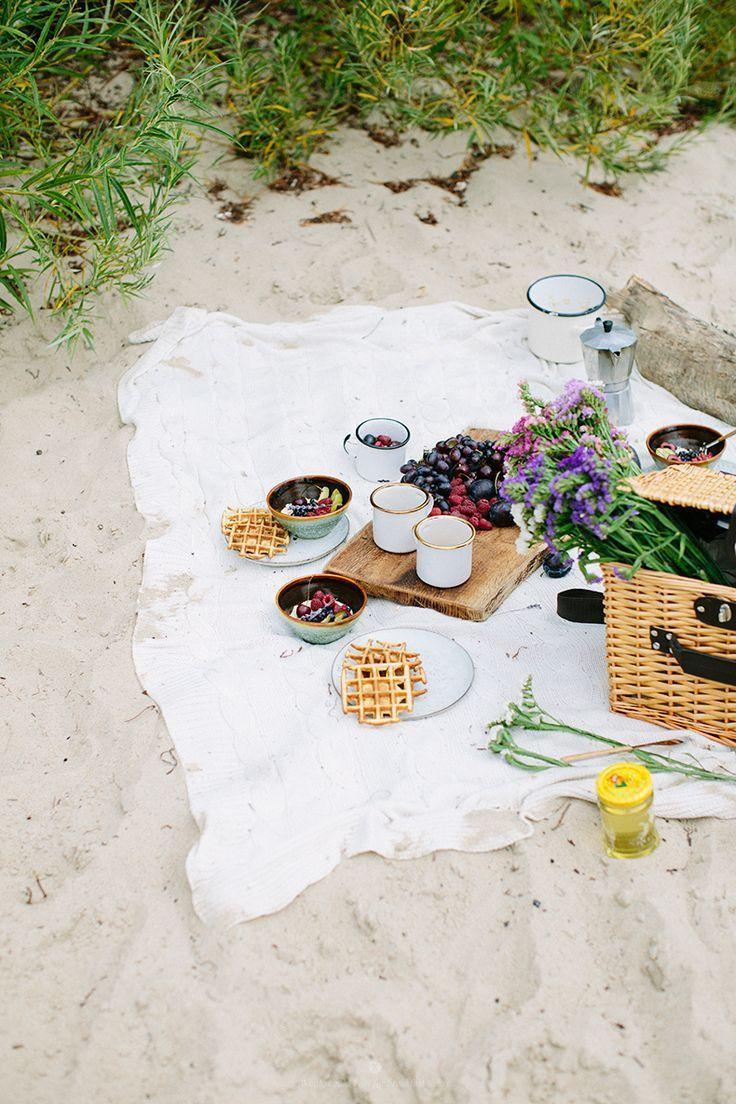 waffle picnic please! | a girl\'s gotta eat | Pinterest | Picnics ...