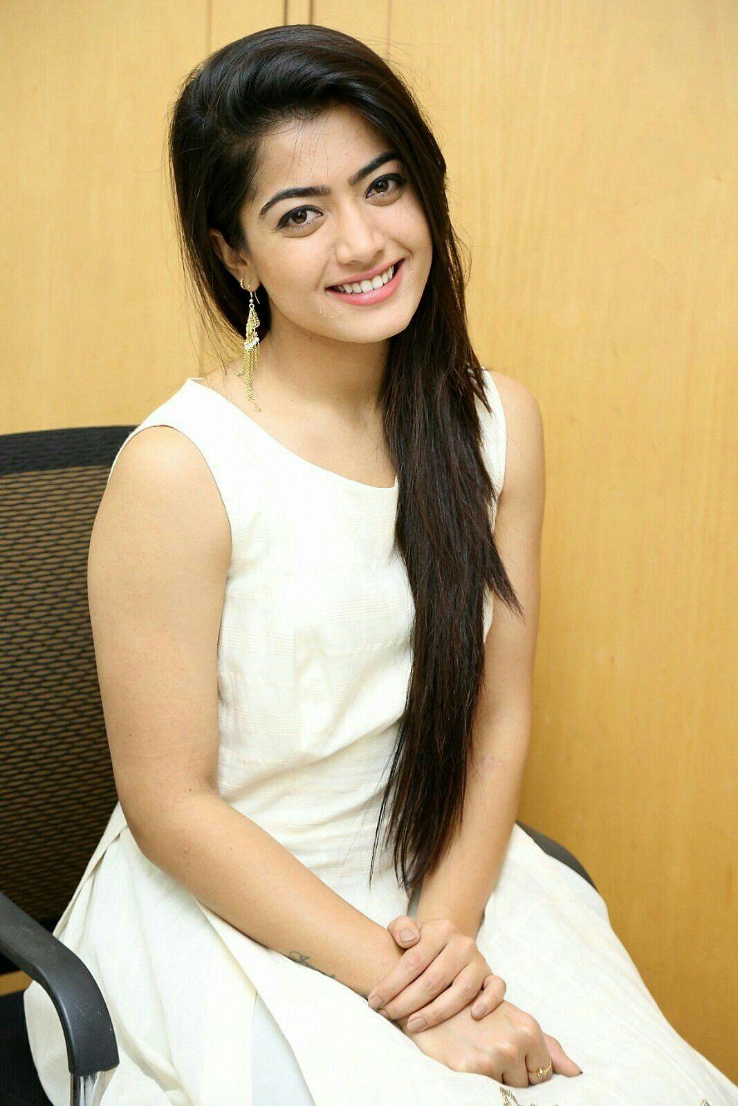 Rashmika Mandanna Beauty Full Girl Beautiful Bollywood Actress