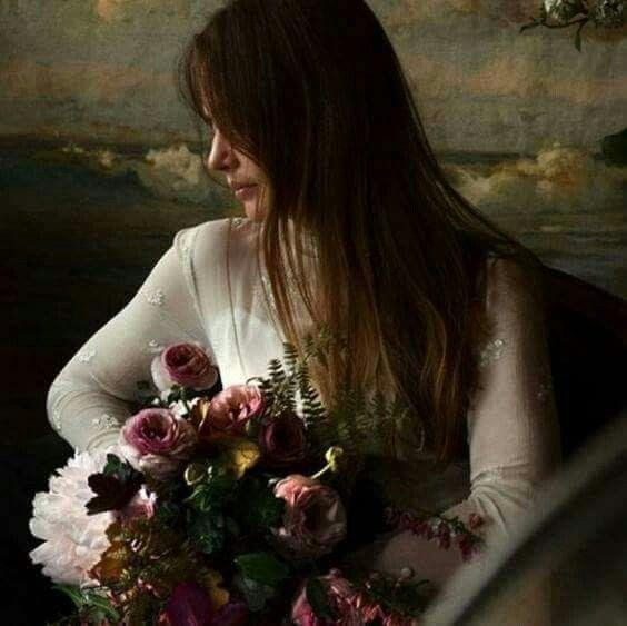 Kadin Olmak Ahlaksizlasmadan Alimli Cocuklasmadan Masum Sertlesmeden Cadi Laubalilesmeden Espril Wedding Flower Guide Fall Wedding Bouquets Wedding Flowers