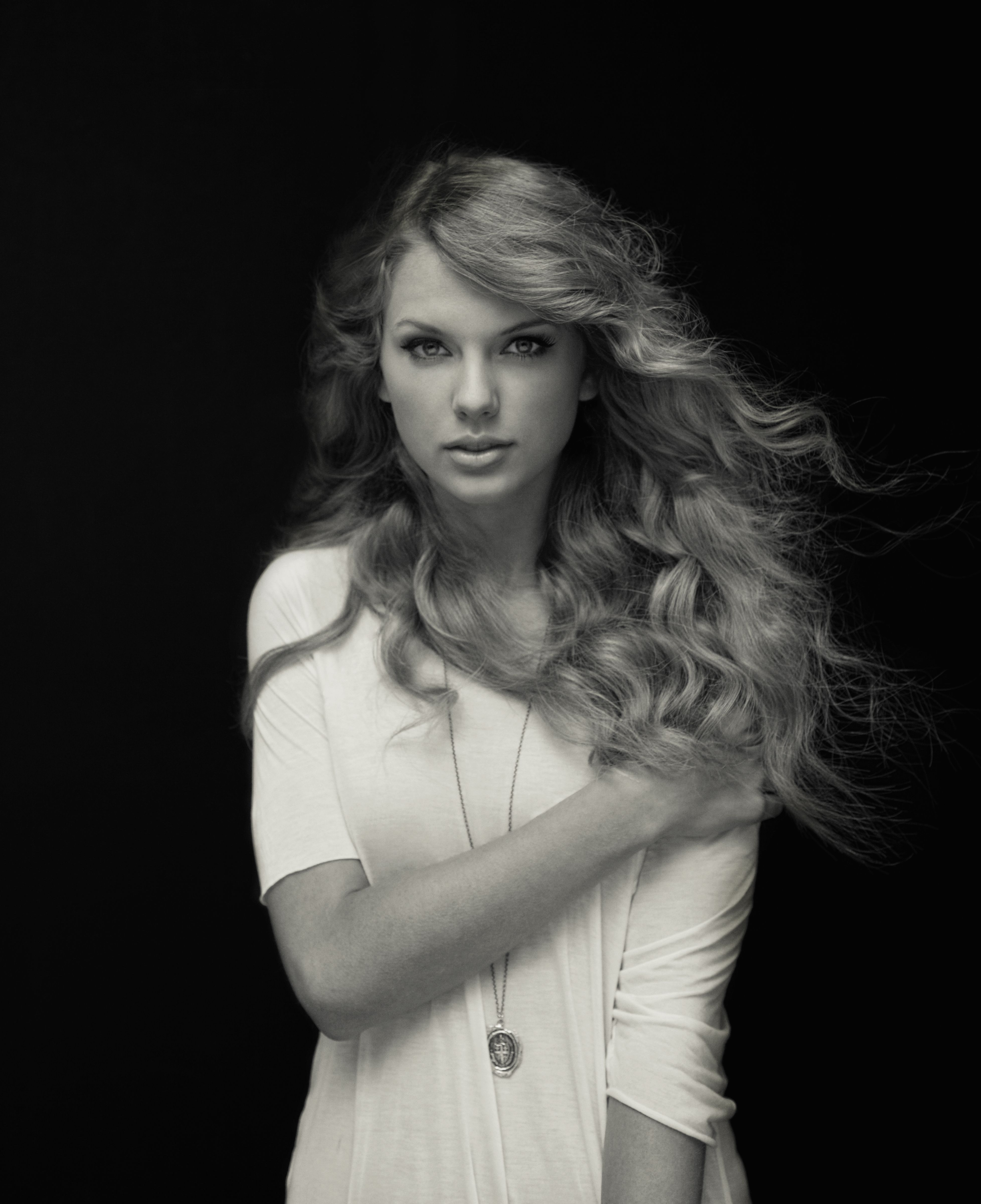 Pin by Tim Beard on Taylor Swift Black and White