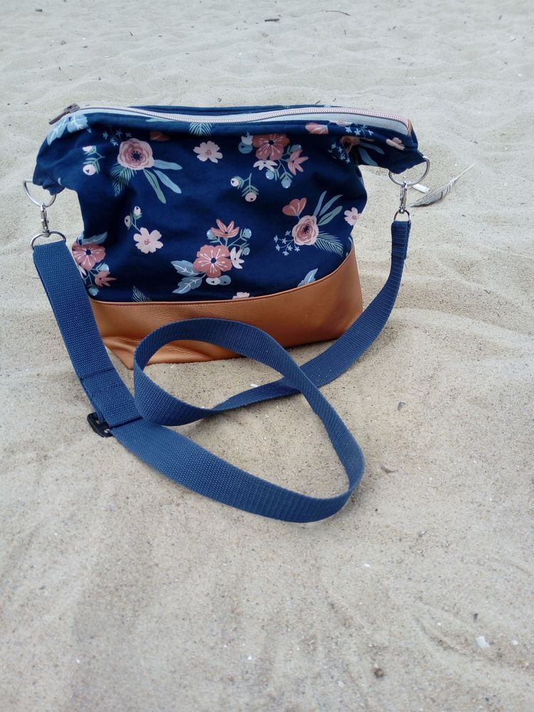 DIY Bucket Bag from Old Jeans Recycle Old Denims