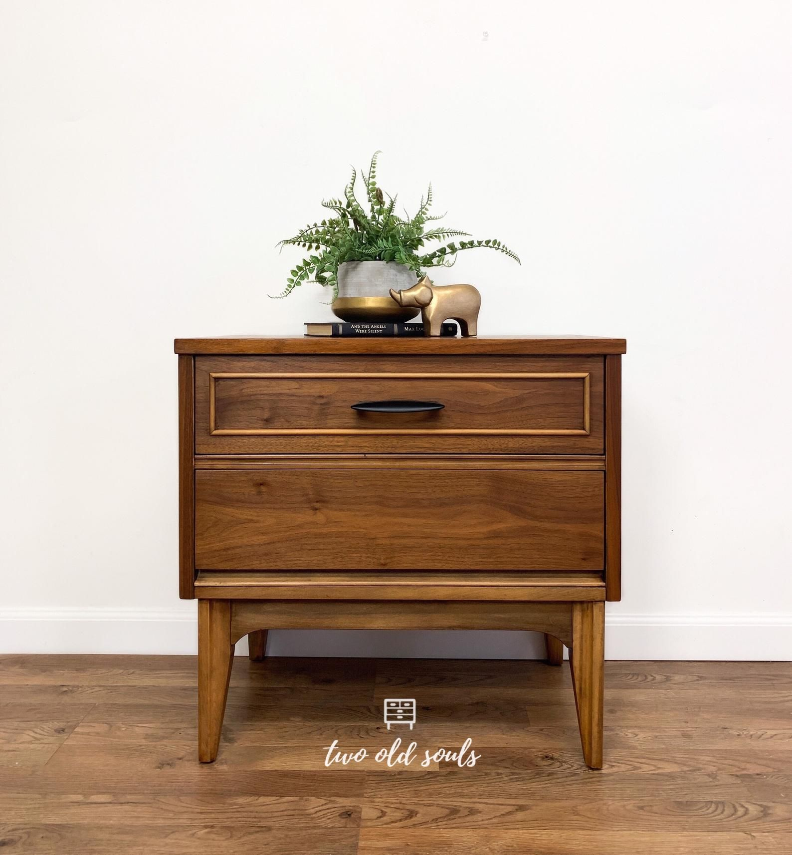 Vintage Mid Century Modern Nightstand By Dixie Bedside Table Etsy In 2020 Mid Century Modern Nightstand Modern Nightstand Mid Century Modern