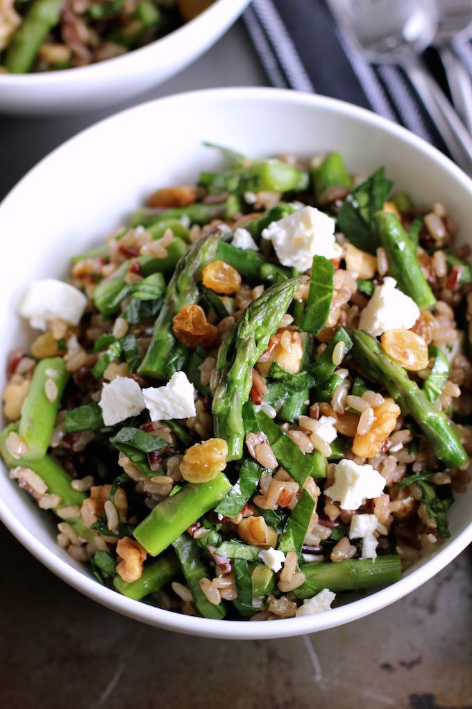 Brown Rice Salad With Asparagus And Spinach Green Valley Kitchen Recipe Brown Rice Salad Rice Salad Spinach Recipes