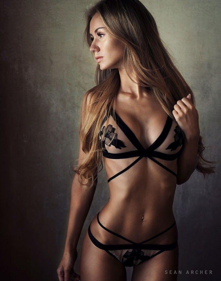 Chloe stripper mons venus