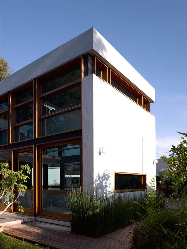 F House by Alroy Hazak Architects