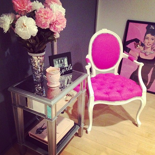 A little pink goes a long way and who doesn\'t love mirror furniture ...