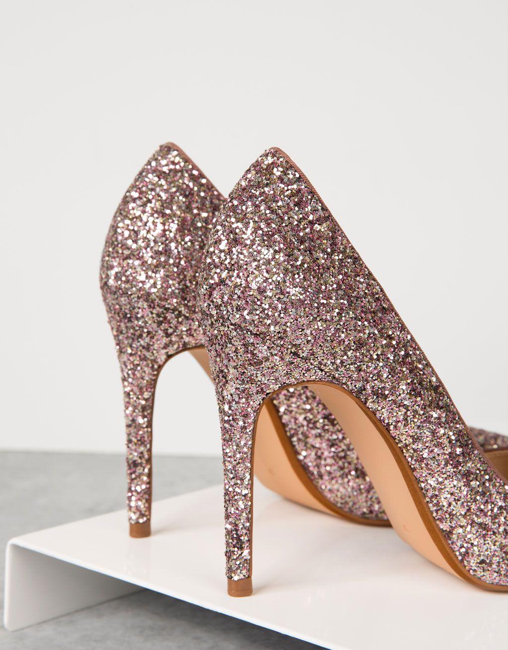 250a60ffd5 Sapato salto fino purpurina. Descubra esta e muitas outras roupas na  Bershka com novos artigos cada semana