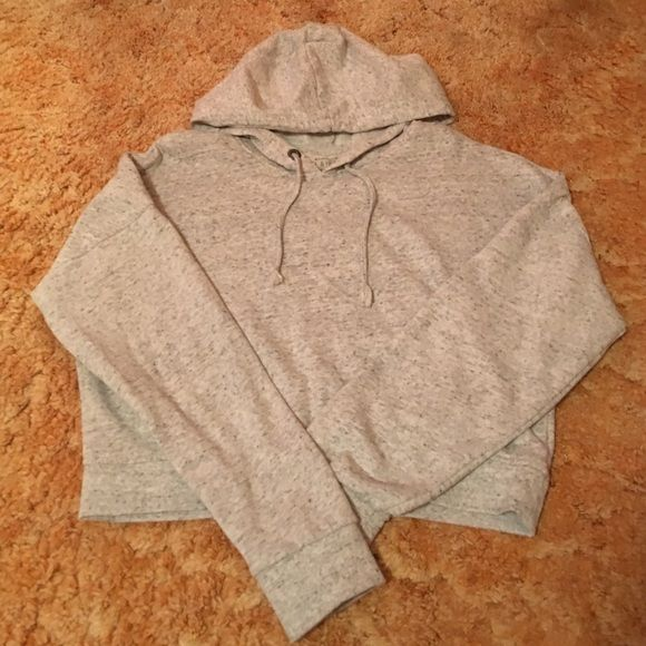 Pacsun - LA Hearts Cropped Sweatshirt Super soft, size medium, grey cropped sweatshirt by LA Hearts LA Hearts Tops Sweatshirts & Hoodies