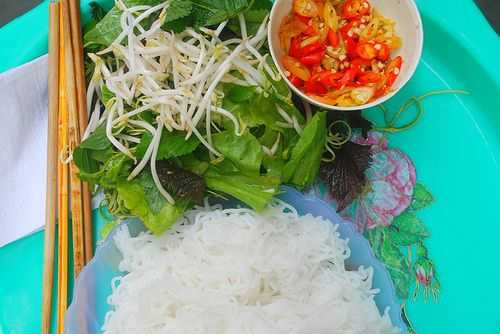 Stickyrice: In Hanoi for almost ten years. Does streetfood tours.