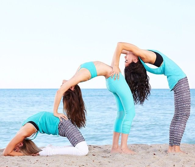 Pin By Ada Ramirez On Carinos Para Amigas Yoga Poses For Two Yoga Challenge Poses 3 Person Yoga Poses